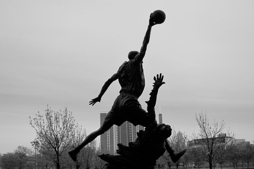 Michael-Jordan-Statue